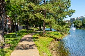 One Bedroom Apartments for Rent in Katy, TX - Bike & Walking Path with View of Lake