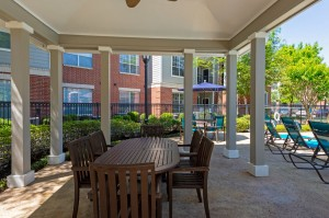 One Bedroom Apartments for Rent in Katy, TX - Covered Outdoor Eating Area