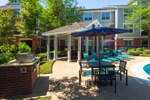 Two Bedroom Apartments for Rent in Katy, TX - Outdoor Grilling Area & Seating